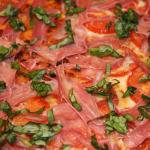 Pizza de Prosciutto y tomate