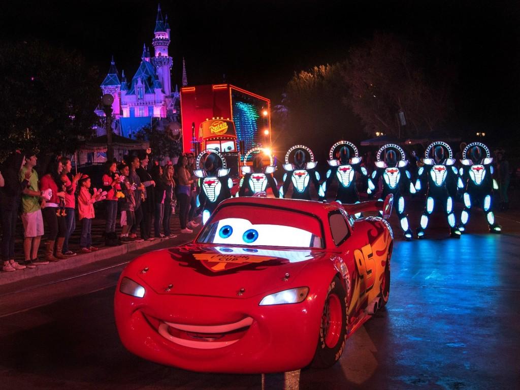 Cars Paint the Night aniversario diamante de Disneyland