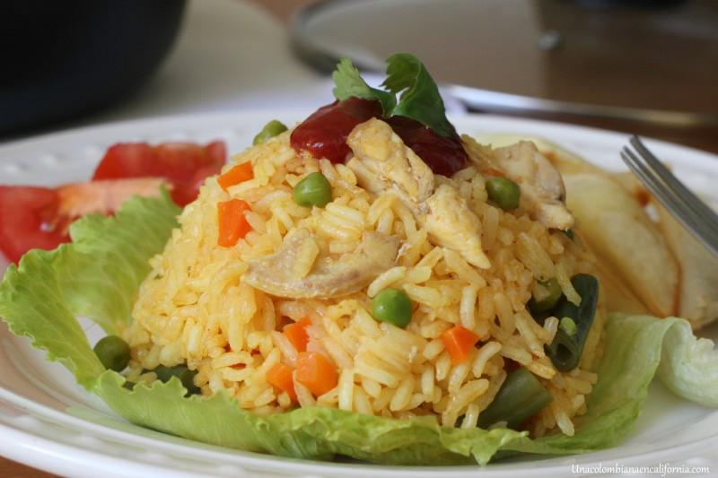 Arroz con pollo_colombiano