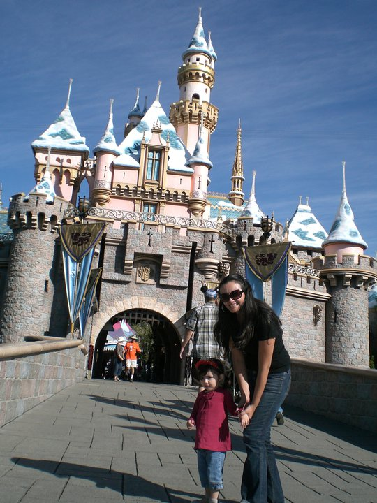 Disneyland una colombiana en california ninos en los angeles