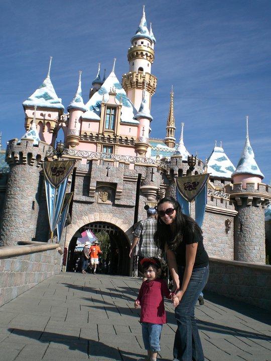 Disneyland una colombiana en california ninos en los angeles