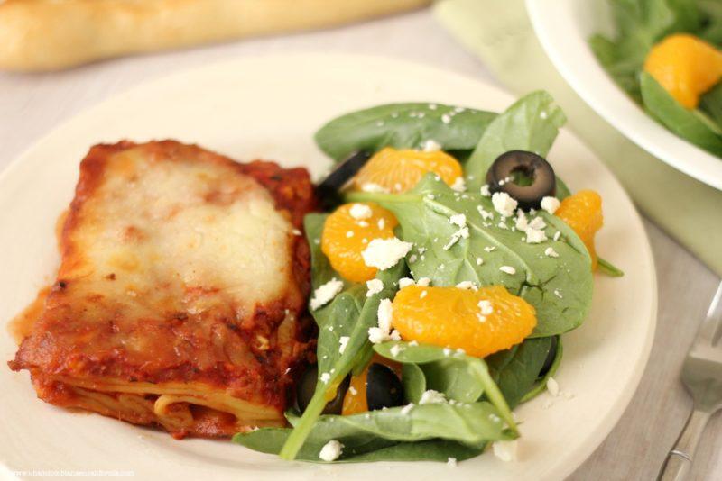 lasagna-con-ensalada-de-mandarinas