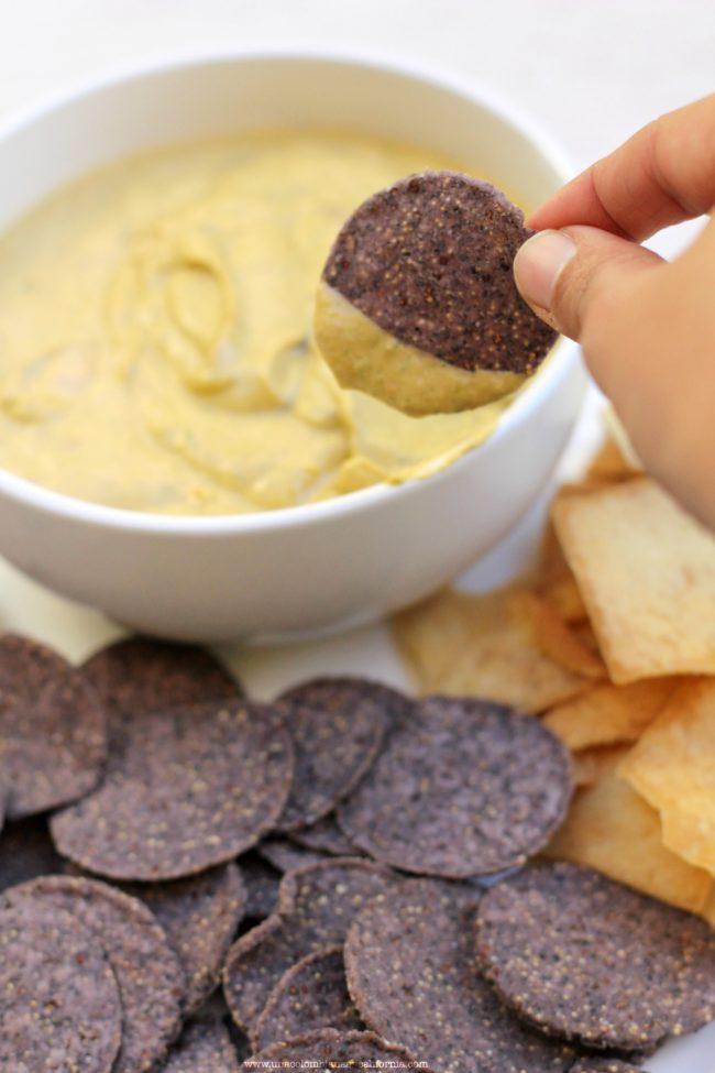 salsa-de-aguacate_chips