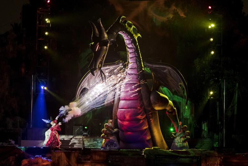 Regresa Fantasmic a Disneyland