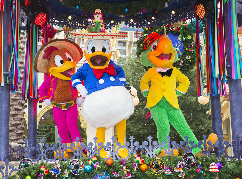 Tres amigos Viva Navidad Disneyland