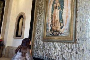 Majestuoso mausoleo a la Virgen de Guadalupe en Los Angeles