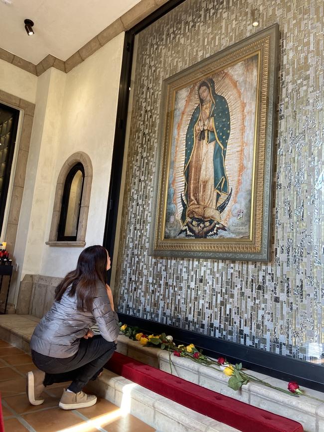 Virgen de Guadalupe en Los Angeles Rose Hills