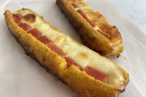 Plátano maduro con queso y bocadillo